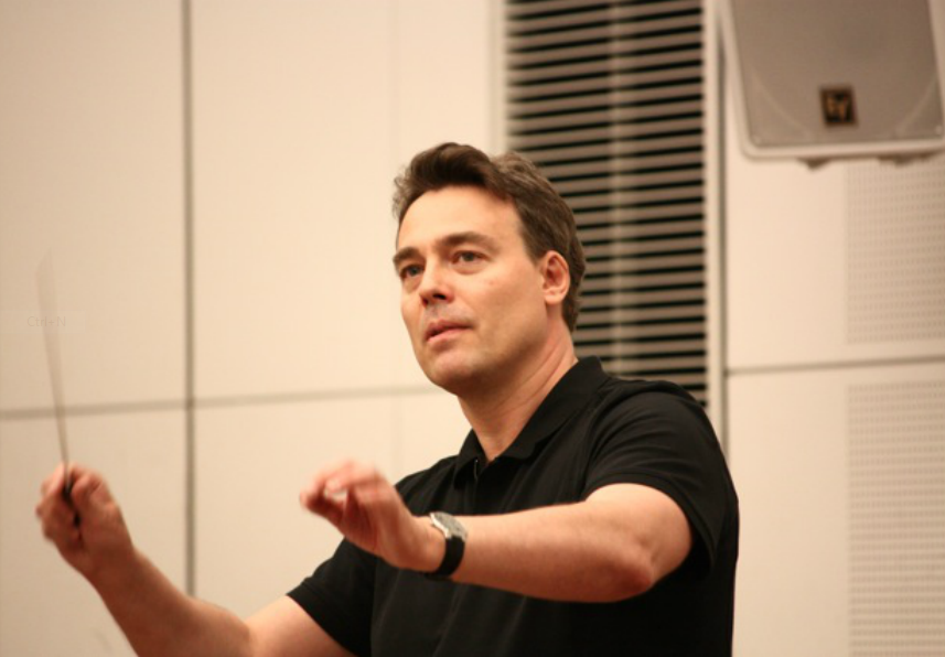 Abel rehearsing with the Tokyo Philharmonic Orchestra in 2013