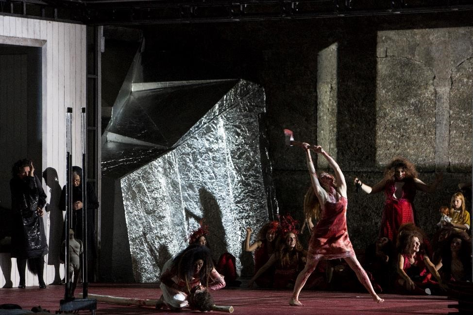 Tanja Ariane Baumgartner (Agave / Venus), Vera-Lotte Böcker (Autonoe / Proserpine) in Salzburg Festival's The Bassarids. Photo: Salzburg Festival / Bernd Uhlig