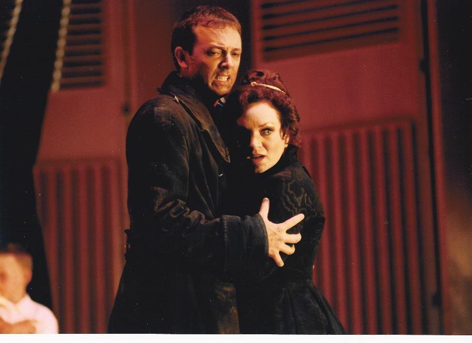 Dominique Labelle (Rodelina) and Robin Blaze (Bertardio) in the 2000 International Göttingen Handel Festival's Rodelinda.