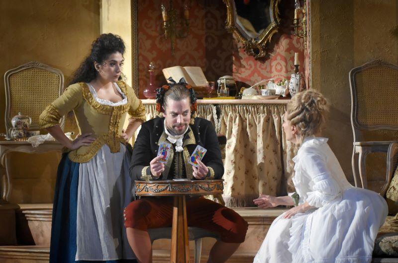 Scene from Théâtre des Champs Elysées Le nozze di Figaro